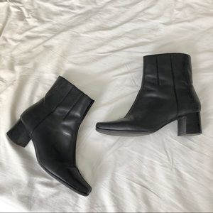 VINTAGE Black Heeled Booties